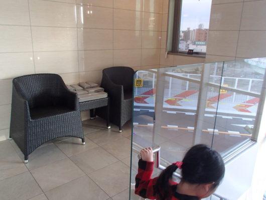 Nホテル ラグジュアリープールスイート プライベートプールの休憩スペース