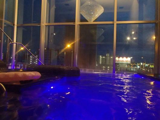 Nホテル ラグジュアリープールスイートのプール