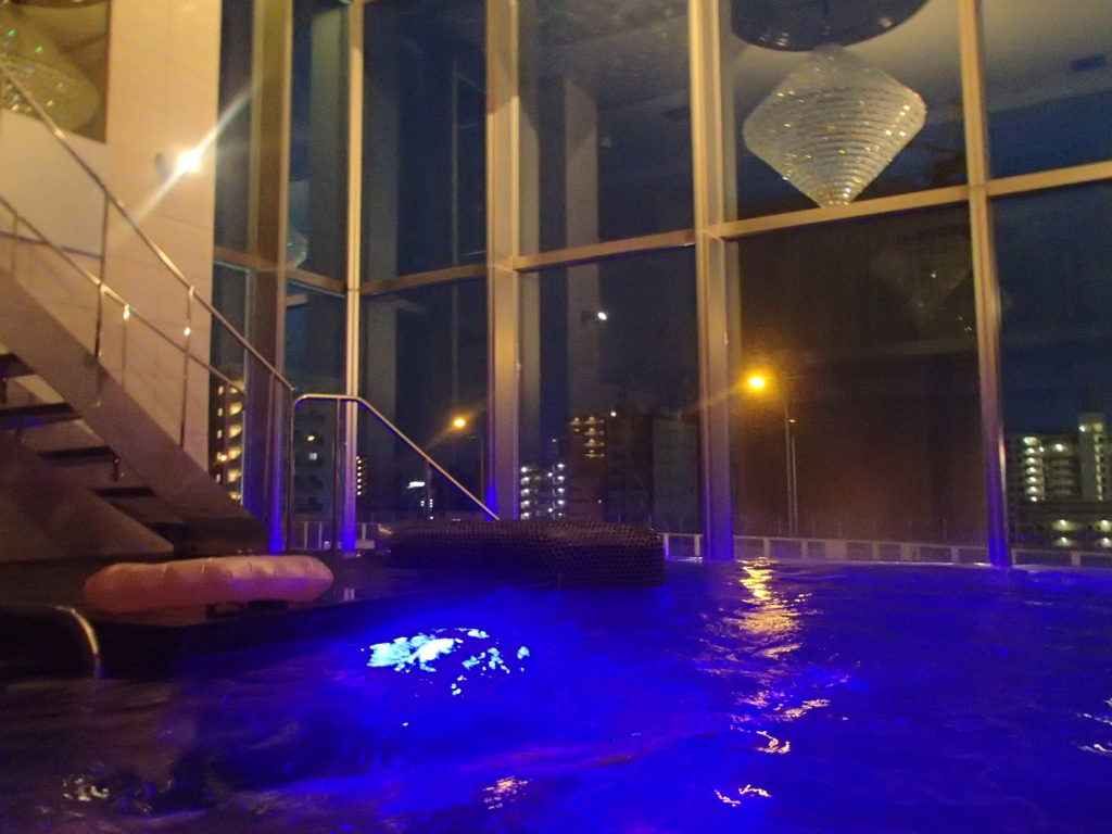 Nホテル プールスイートのプール
