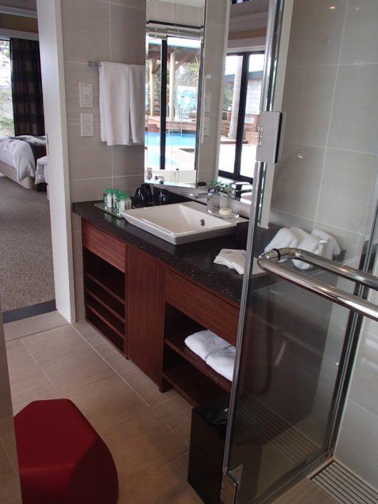 ネスタリゾート ロイヤルスイートC 主寝室の洗面所