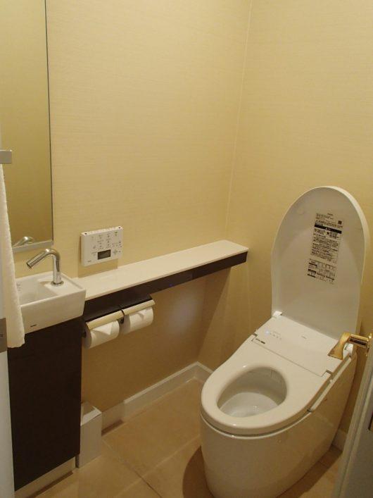 ネスタリゾート ロイヤルスイートC 主寝室のトイレ
