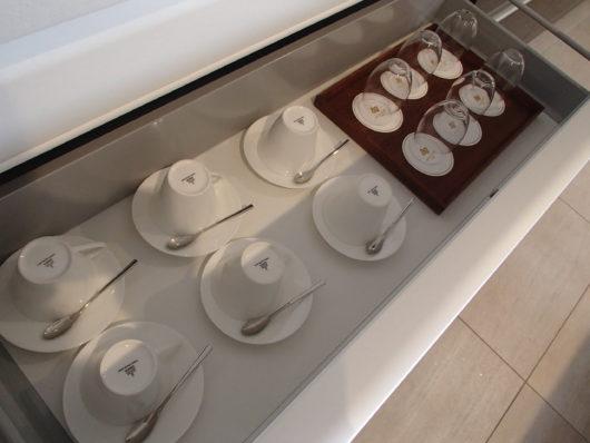 ネスタリゾート ロイヤルスイートC キッチン グラスやカップ類
