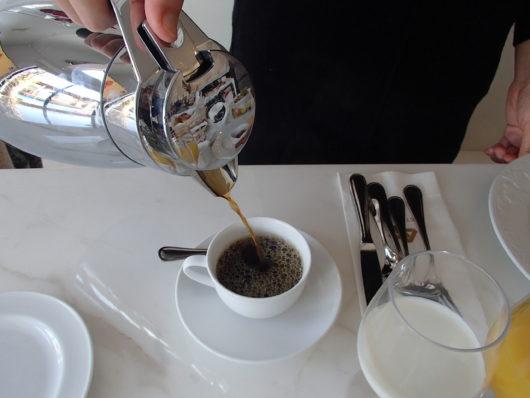 ネスタリゾート ロイヤルスイートCにて 朝食のコーヒー