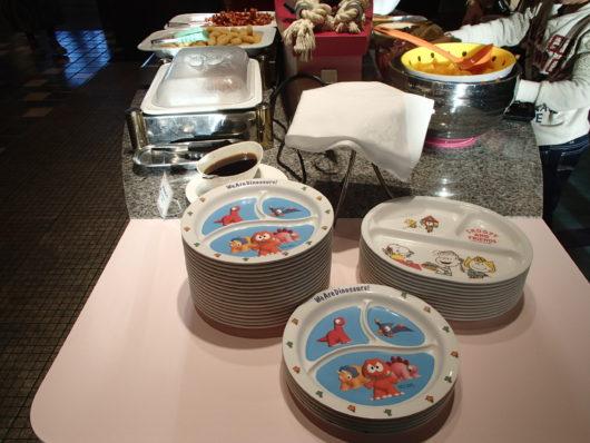 ホテルユニバーサルポート 朝食ビュッフェ 子供用の食器