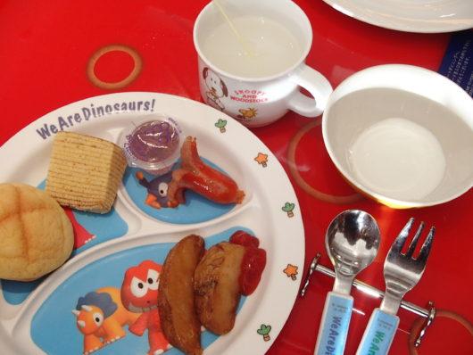 ホテルユニバーサルポート 朝食ブッフェ 娘のお皿