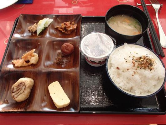 ホテルユニバーサルポート 朝食ブッフェ パパのお皿