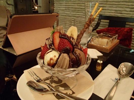 ホテルユニバーサルポート ラウンジR チョコレートパフェ
