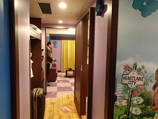 レゴランドホテル フレンズスイートルーム 玄関から正面を撮影