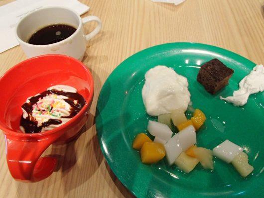 レゴランドホテルでの朝食 デザートも食べました