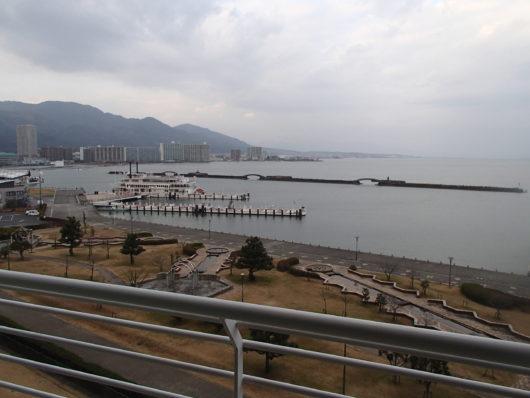 琵琶湖ホテル 客室から琵琶湖を望む