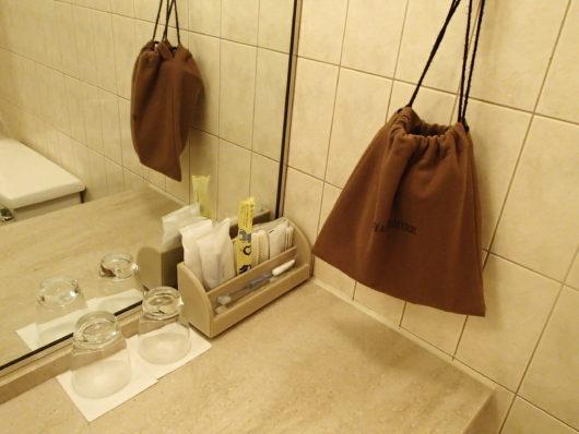 琵琶湖ホテル 客室アメニティ 洗面台にあったアメニティ類
