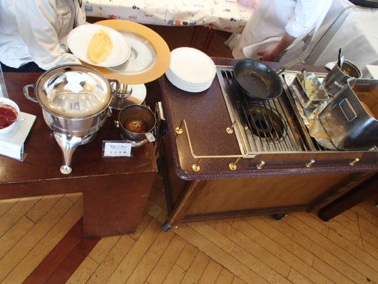 琵琶湖ホテル 朝食ブッフェ コックさんがオムレツを作ってくれる