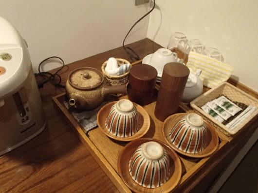三水館 部屋に用意されていたお茶類