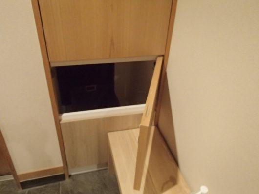 箱根・翠松園 客室の宅配ボックス 仕様済タオルなどを入れておく